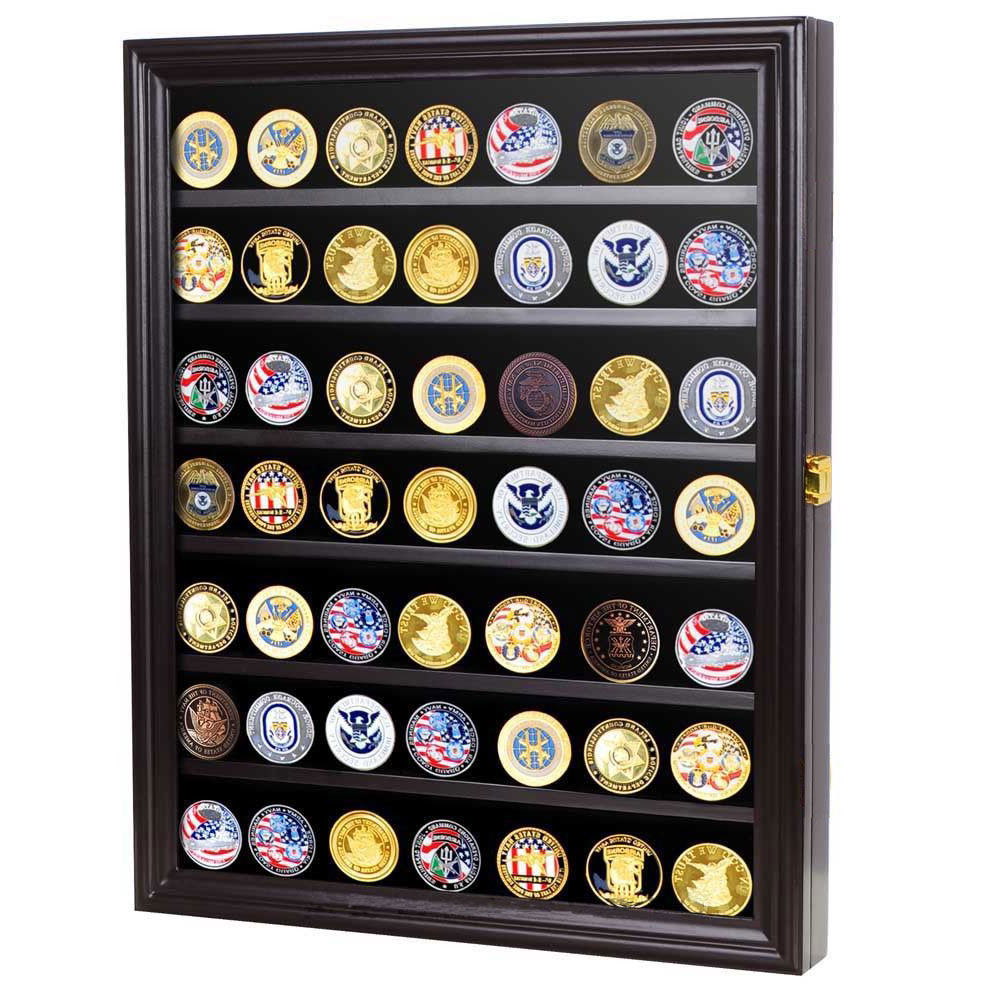 Display case for casino chips