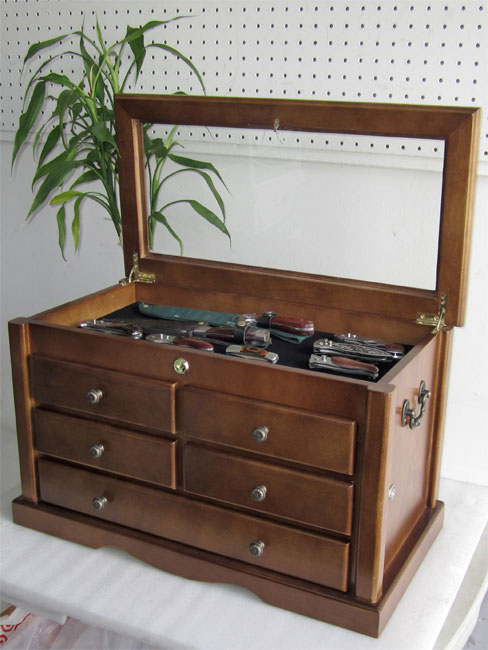 Index further 32 Drawer Wooden Collectors Cabi  Storage Unit For 261256660605 in addition Unique Silver Coins And Bars in addition Watch moreover Id F 1775503. on coin collector storage chest